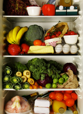 Refrigerator_full_of_1be3