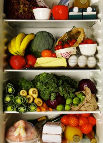 Refrigerator_full_of_1be3